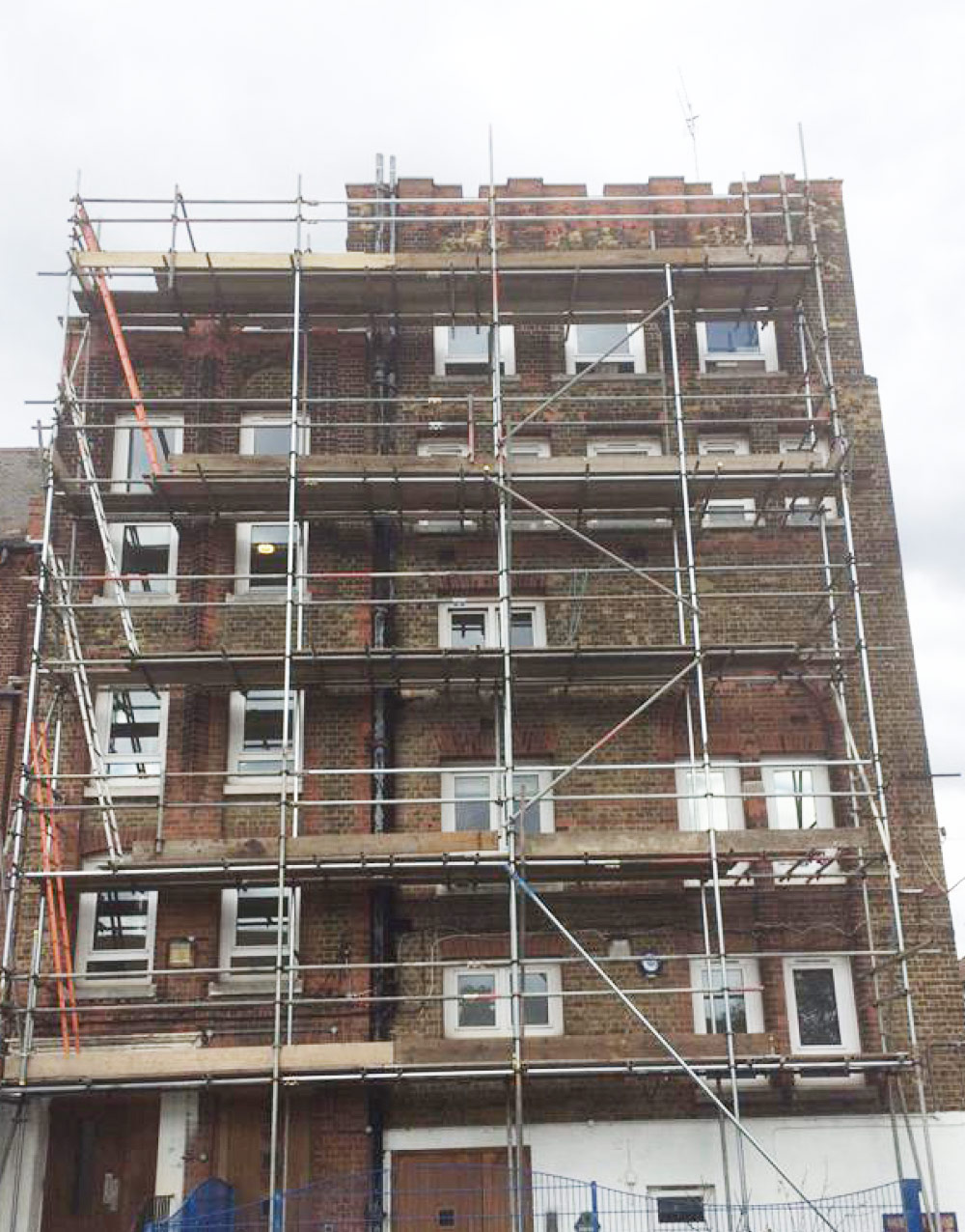 London School Scaffolding Installation